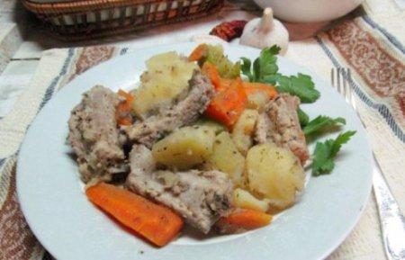Свиные ребра с овощами по домашнему