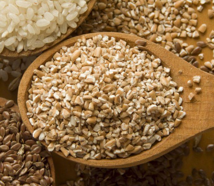 Каша из цельной пшеницы с гречкой